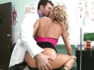 Hot Bodied Mummy Devon Turns Doc On With Her Nice