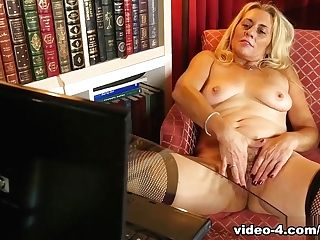 Horny Adult Movie Star In Amazing Blonde, Matures Hump Vid