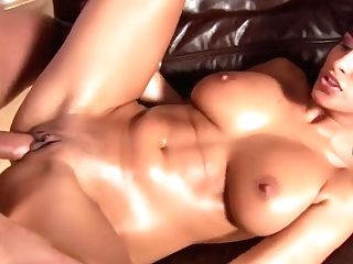 Buxom Moms - Czechsuperstars
