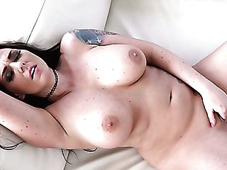Marvelous Bosomy Sexpot Simony Diamond Is Actually Fond Of Onanism