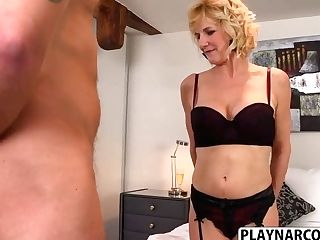 Voluptuous Mom Molly Maracas Gets Fucked Hot Step Son-in-law