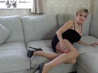 'chesty Matures Lady Sonia Wants You To Masturbate Off While She Is Masturbating'
