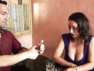 Having Drinks Matures Lady Persia Monir Lures Stud For Random Fuck