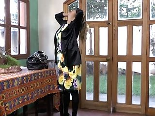 Latina Mummy Susana Puts Her Massager To Work