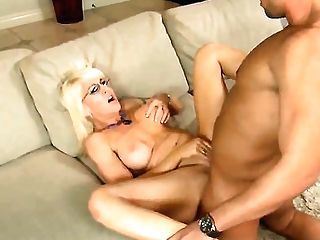 Rocco Reed Gets Seduced Into Fucking By Blonde Sindi Starlet With Phat Booty And Clean Beaver