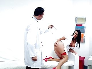 Brazzers - Doc Adventures - Pushing For A
