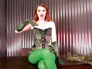 Kendra James - Poison Ivy's Predominant Smooch -