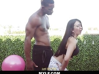 Outdoor Workout With Hot Cougar Linda Gonzalez
