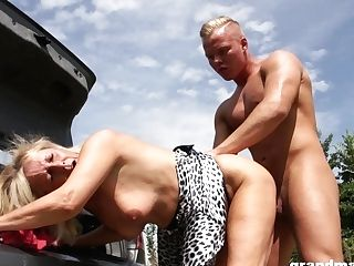 Sexy Granny Loves Casual Romp With Youthful Fellow On The Side Of The Road