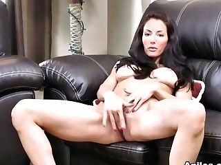 Olivia Bell In Dark Haired Stunner - Anilos